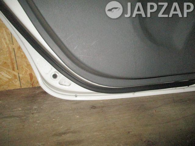 Дверь для Toyota Prius ZVW30 2ZR-FXE зад лево Белый
