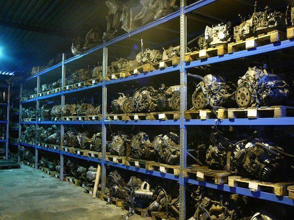 Контрактные двигатели на складе